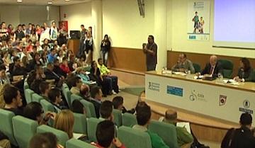 Jesús Álvarez, Julián Redondo y otro periodistas debaten en Madrid la difusión del deporte Paralímpico